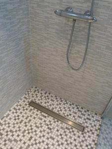 Caniveau de douche